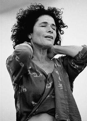 שיטה חדשה בישראל, תרפיה בקול ותנועה לפי שיטת פול ניוהם. ברברה סלזברג מסבירה.
