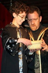 כל יום לומדים קסמים אחרים בקייטנת הבוטיק בית הספר לקוסמים של תיאטרון הפארק