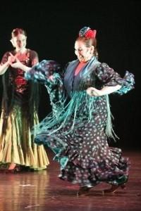 סילביה  דוראן רוקדת פלמנקו, סילביה דוראן מנגנת קסטנייטות