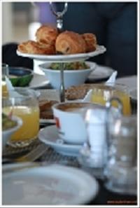 מסעדת West Caf'e נפתחה במלון West  החדש על חוף הצוק בתל אביב