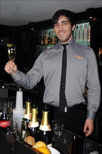פאסיפיק - מסעדת ביסטרו יוקרתית כשרה במלון קראון פלזה