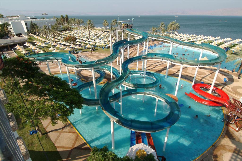 חוף גיא - פארק מים כייפי על חוף הכינרת