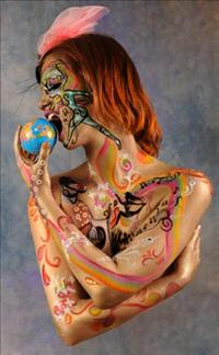 גוף במקום קנבס! התפרצות של צבע ויצירתיות