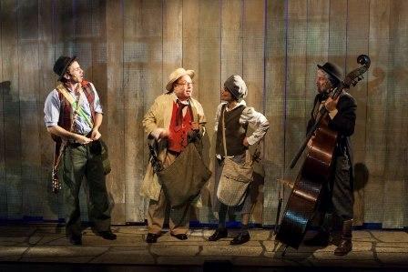 ייִדל מיטן פידל - קומדיה מוזיקלית מרנינה בתיאטרון יידישפיל