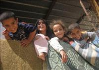 תושבים מכפרים בדואים מתחברים לאנרגיה סולארית