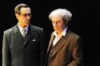 דוד בן גוריון וזאב ז'בוטינסקי נפגשים בתיאטרון.. במופע מרהיב!