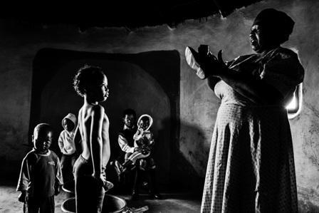 Writing with Light - תערוכה והשקת ספר חדש לצלם זיו קורן