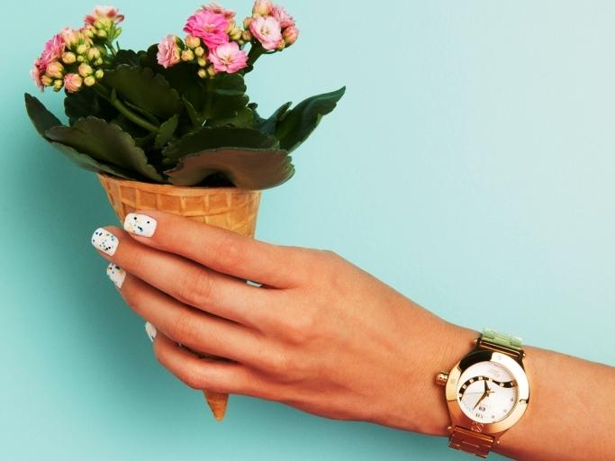 חנות חדשה של EMBOSS, מותג שעוני היוקרה, הושקה בגינדי TLV
