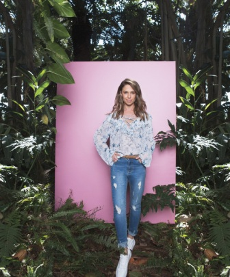 DENIM - רשת עונות & ג'אמפ מציג את הג'ינס האופנתי