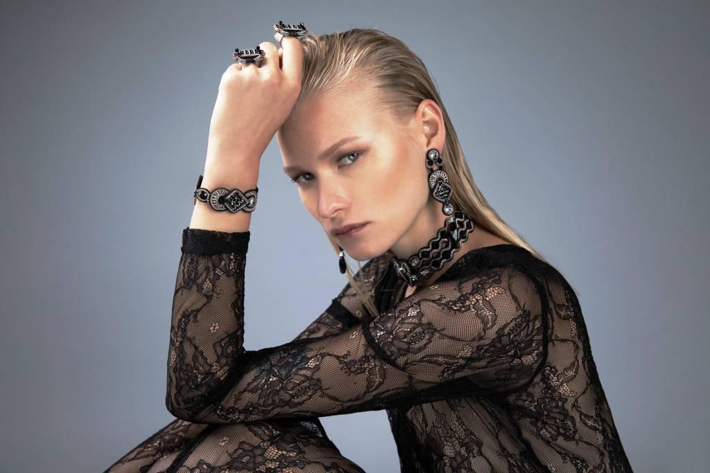 דורי צ'נגרי - אישה מרשימה ומעצבת תכשיטים מקורית