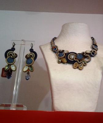 דורי צ'נגרי, אמנית, מעצבת ויוצרת תכשיטים, משיקה את קולקציית הקיץ 2019