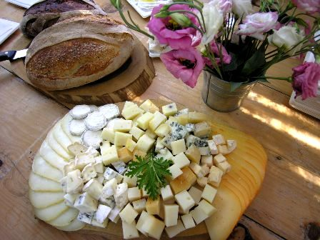 גבינות יעקבס ואגדת לחם - משפחה קולינרית בכפר הרא
