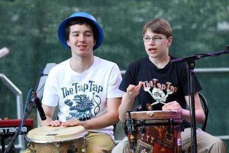 להקת Tap-Tap מגיעה לראשונה מצ'כיה לישראל