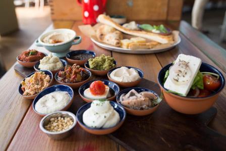 מסעדת סילו מדיטליאנו משיקה תפריט בוקר עשיר טעים ובריא
