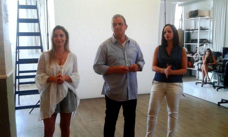 קמפיין מרהיב עם לי לוי ללאונרדו קוסמטיקה