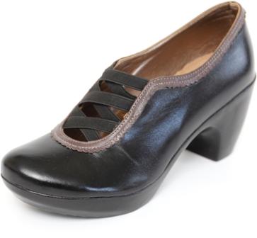 נעלי ELLA - נוח, איכותי, יפה ועושה צעיר..
