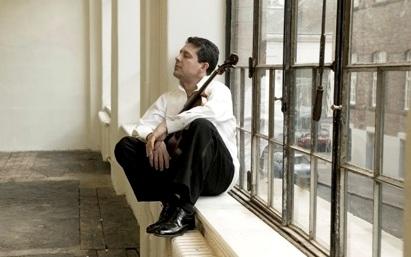 המוזיקאים הישראלים אריאל צוקרמן וגלעד קרני, בקונצרט משותף