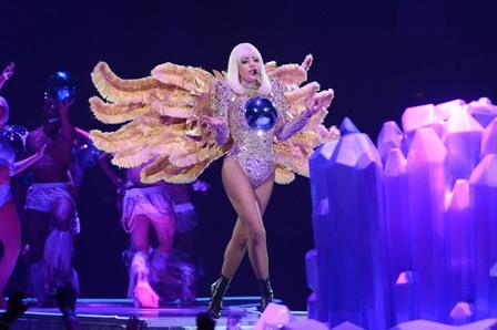 ליידי גאגא מגיעה לישראל עם מסע ההופעות העולמי