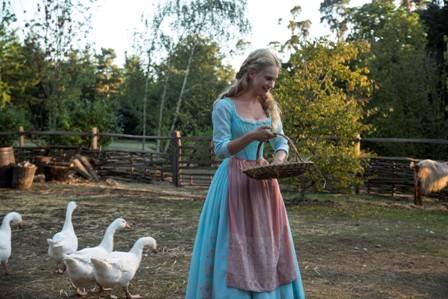 אגדת 'סינדרלה' מתעוררת לחיים קולנועיים בהפקה חדשה מבית דיסני