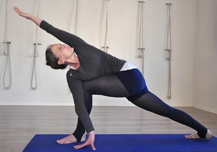 יוגה ללא תשלום בדיזנגוף סנטר במסגרת יום היוגה הבינלאומי