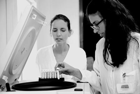 MYMILK  -  מרכז מחקר ופיתוח הראשון בישראל ובעולם לבדיקות חלב אם במעבדות AML