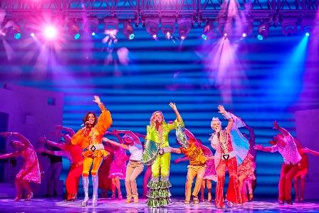 MAMMA MIA - בידור חביב לאוהבי להקת ABBA