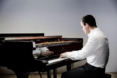 הפילהרמונית הישראלית מארחת את המנצח - קיריל פטרנקו והפסנתרן - איגור לויט
