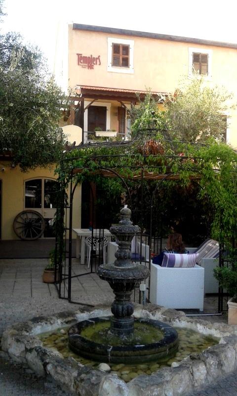 קידמה ושימור במלון בוטיק טמפלרס, במושבה הגרמנית בחיפה